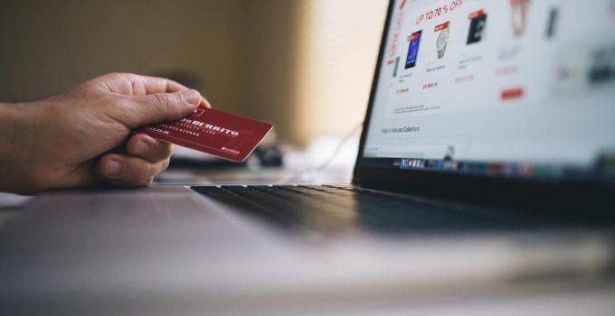 Shopping sui social: la comodità ha la meglio sulla sicurezza?